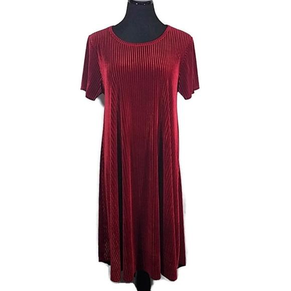 LuLaRoe Dresses & Skirts - SOLD LuLaroe Elegant Red Ribbed Carly